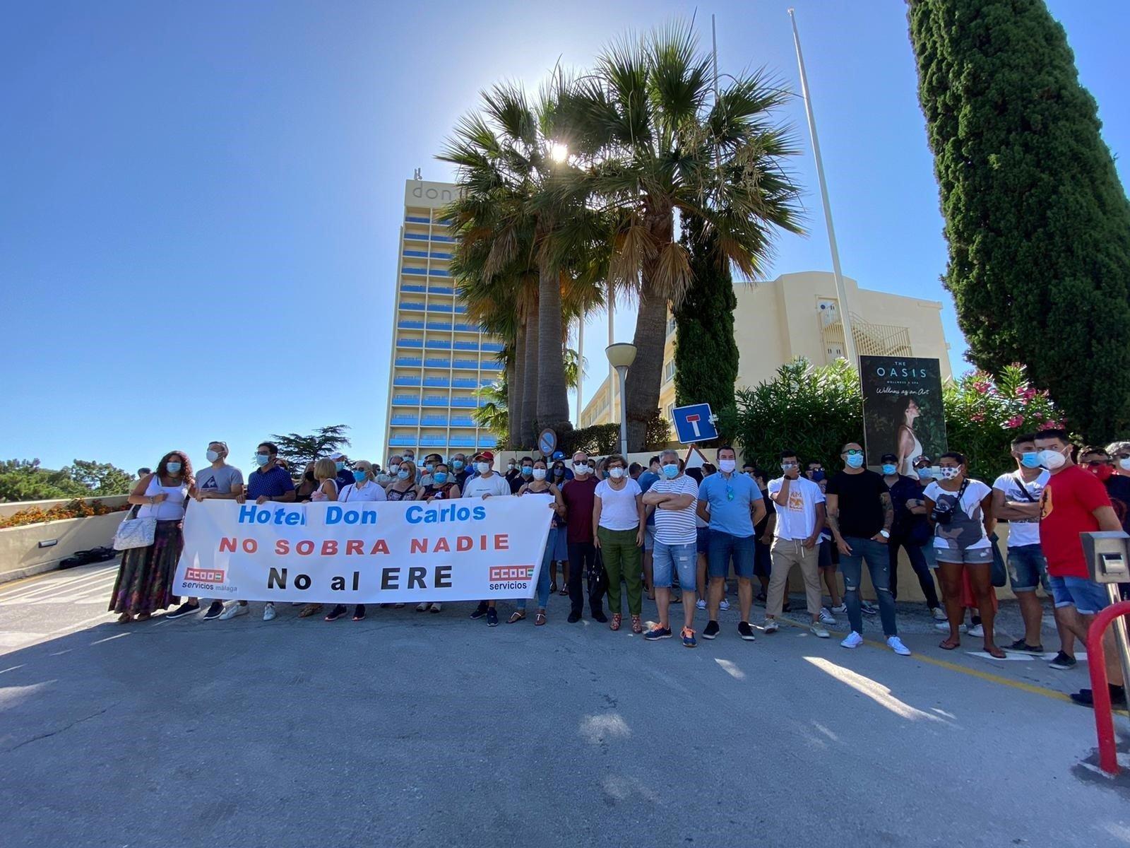Acuerdo CCOO y UGT y la dirección del hotel Don Carlos para dar viabilidad al establecimiento. FOTO: CCOO