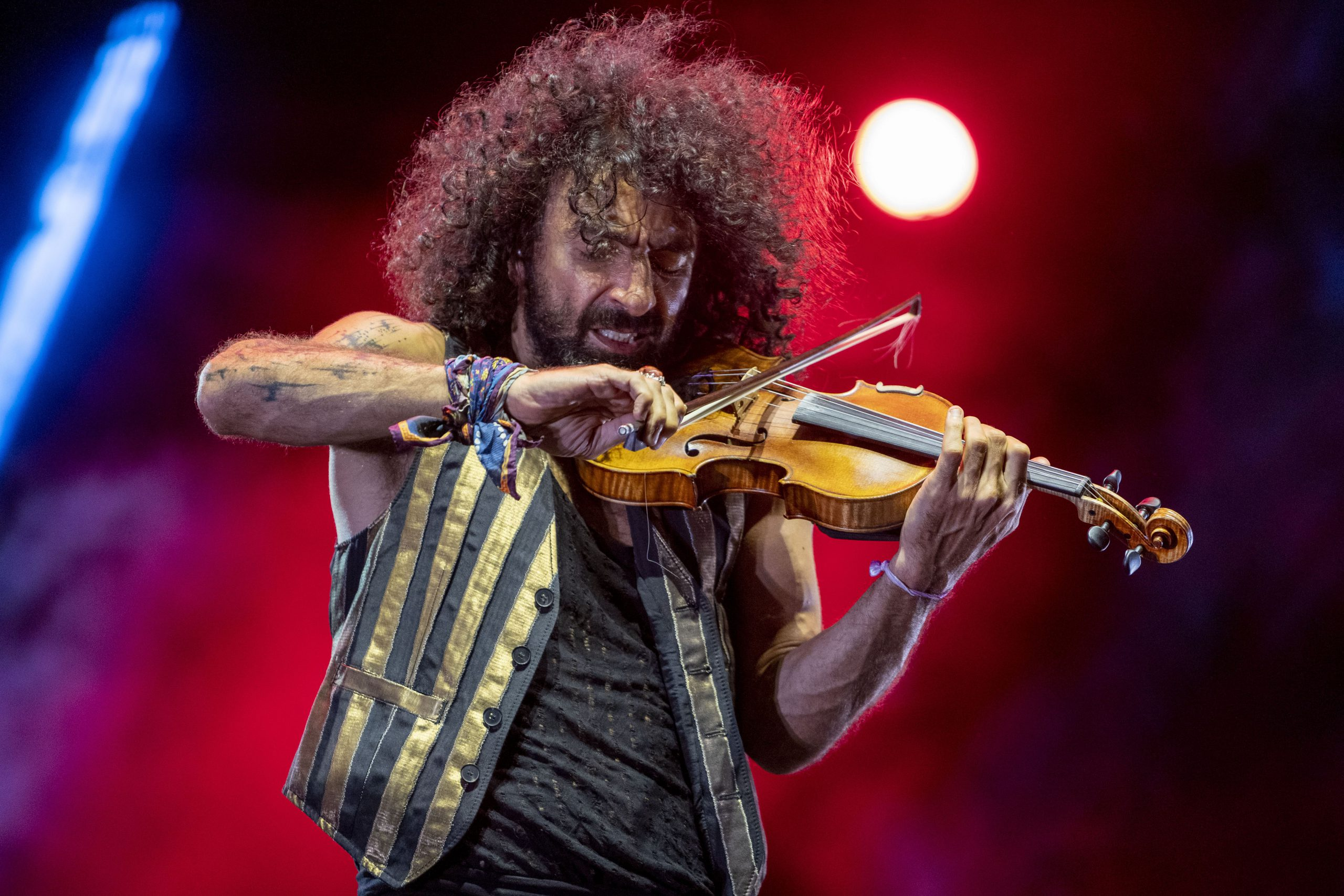 Ara Malikian hechiza al público de Starlite Catalana Occidente con su recital de violín y piano