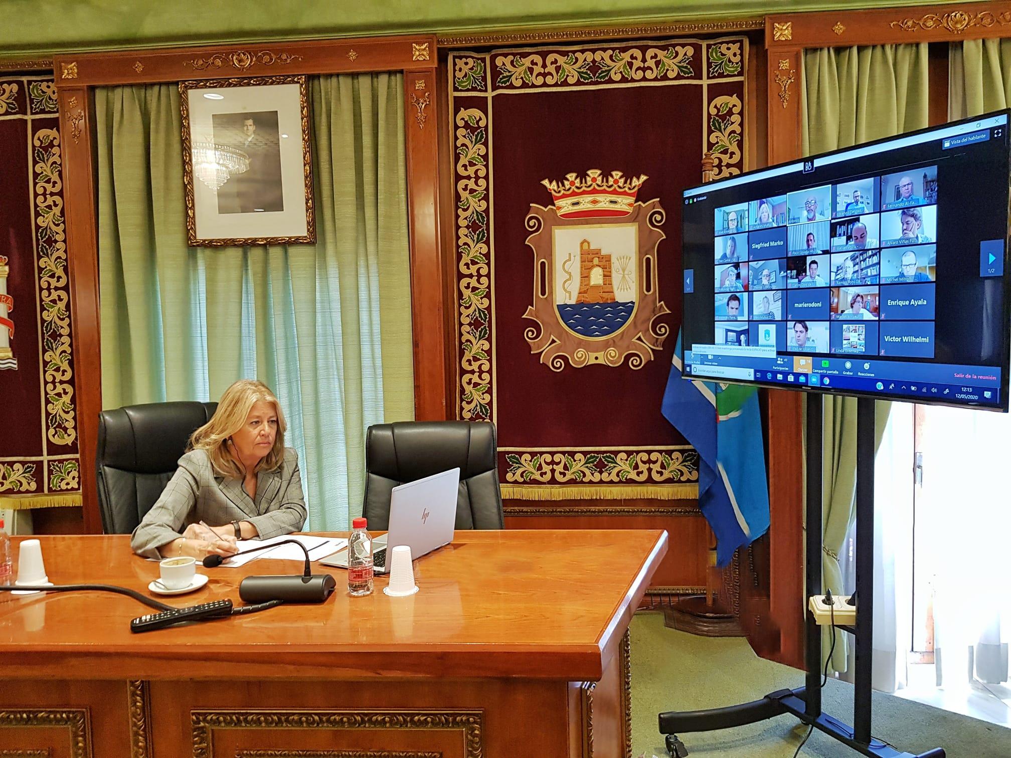 Ayuntamiento y sector hotelero estudian medidas conjuntas de promoción y apoyo fiscal a los establecimientos