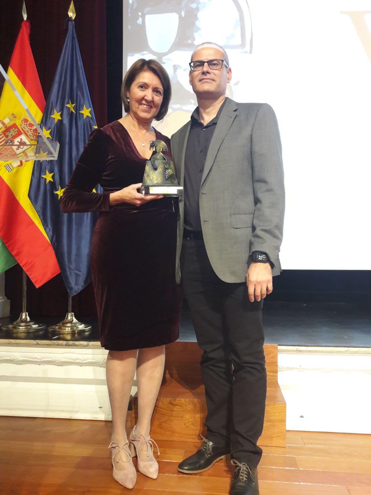 La médica de Urgencias del Hospital Costa del Sol, Carmen Agüera, ha recibido el 'Premio Menina' por su trabajo en la lucha contra la Violencia de Género