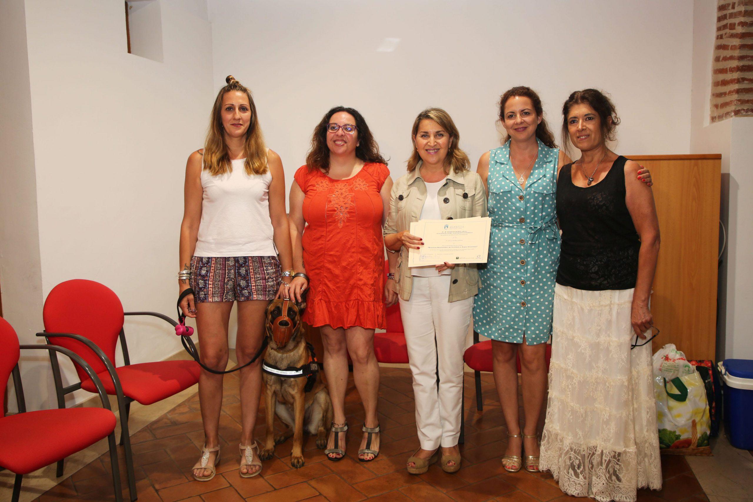 Clausura y entrega de diplomas del Taller de Refuerzo Psicológico 'Nosotras resilientes: de víctimas a supervivientes'