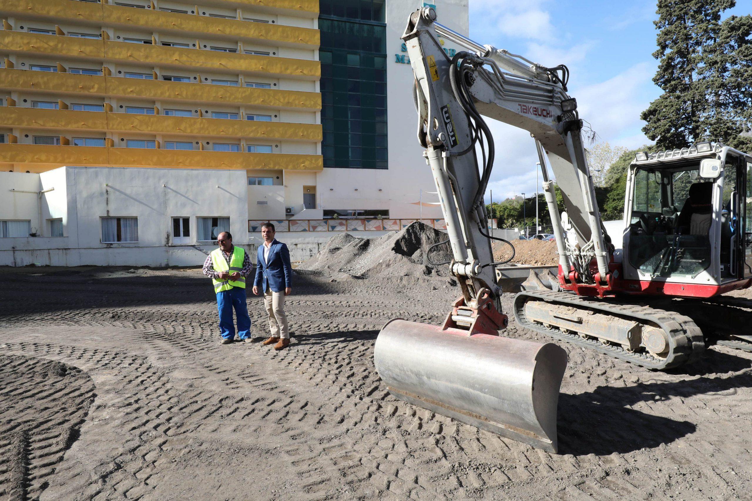 Comienzan las obras para habilitar un aparcamiento junto al Palacio de Congresos