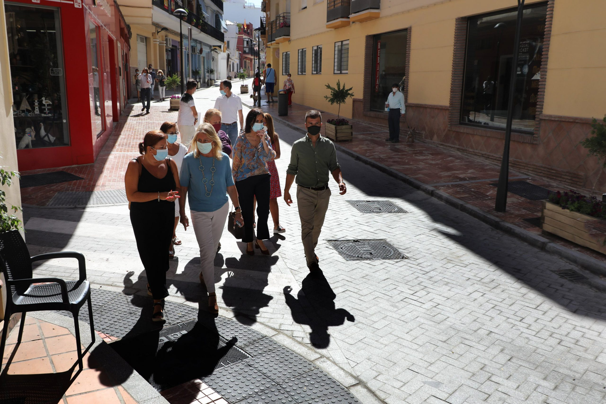 Concluida la remodelación integral de la calle Málaga