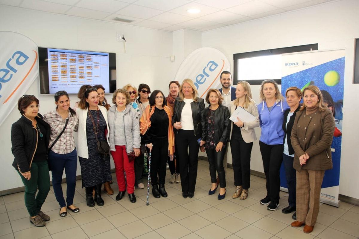 El Ayuntamiento de Marbella ha impulsado la firma de un convenio entre el Complejo Deportivo Supera Miraflores y la Asociación de Fibromialgia de la ciudad