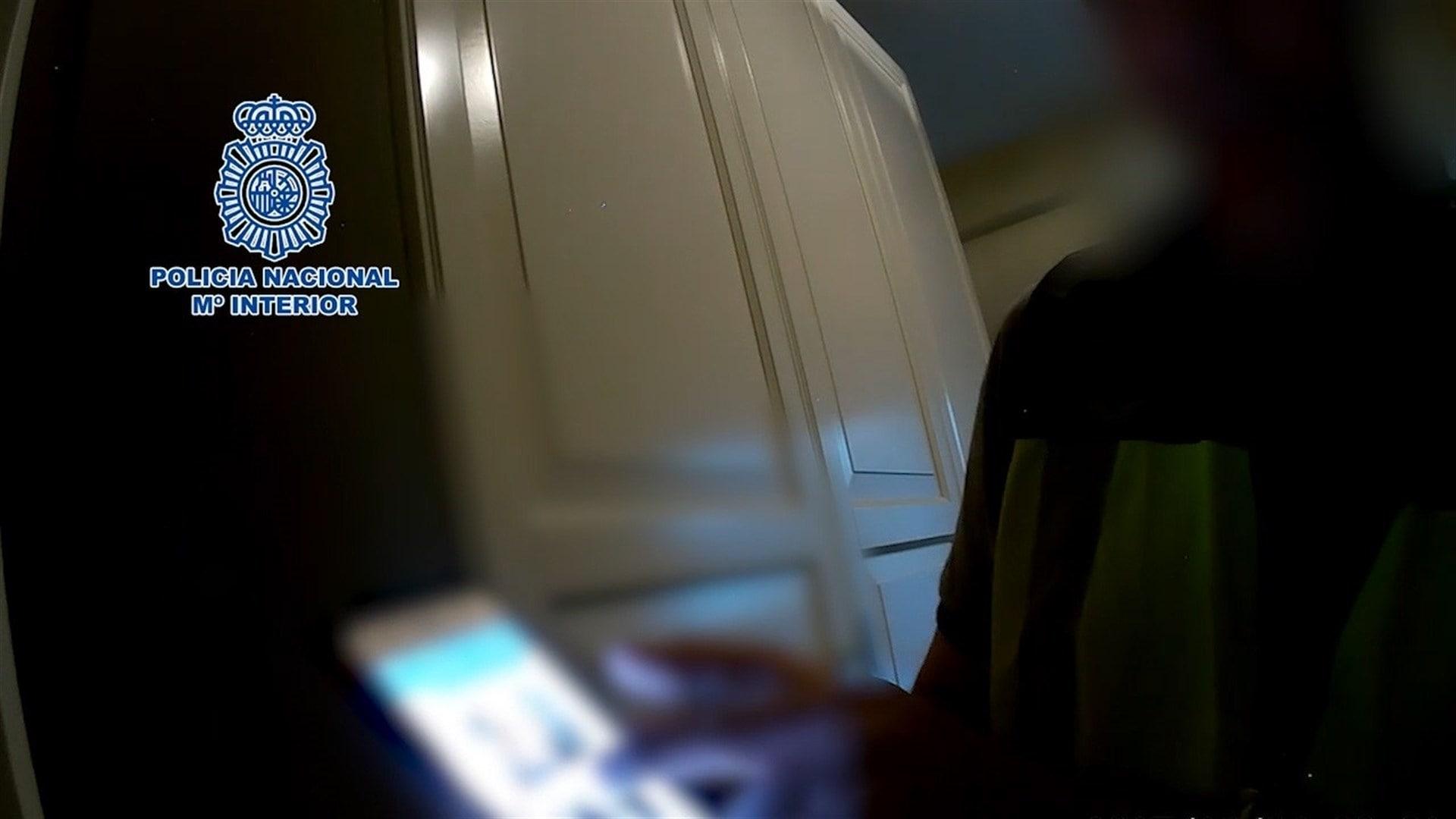 Detienen a un trabajador de un club de Marbella por grabar a menores desnudas