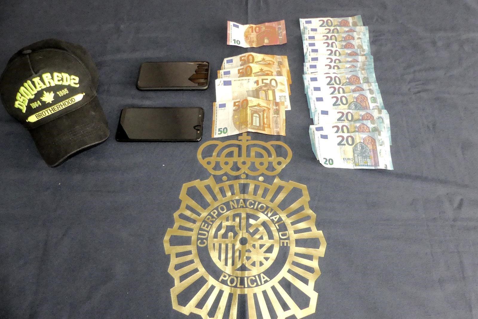Dos detenidos por perpetrar tres robos con fuerza en viviendas de Marbella