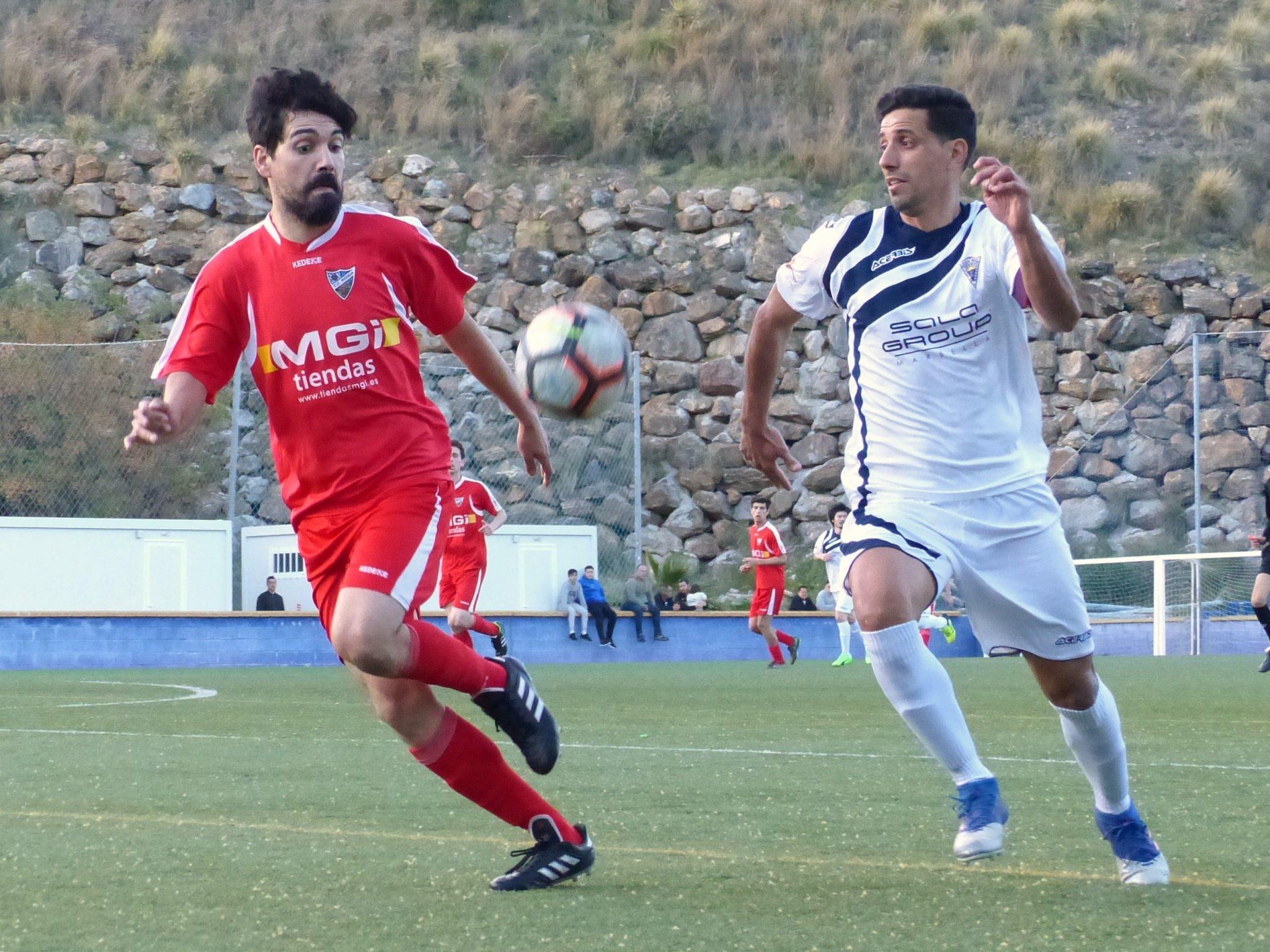 El Atlético Marbella cae ante el C.D. Ronda (1-2) y complica su permanencia en la categoría
