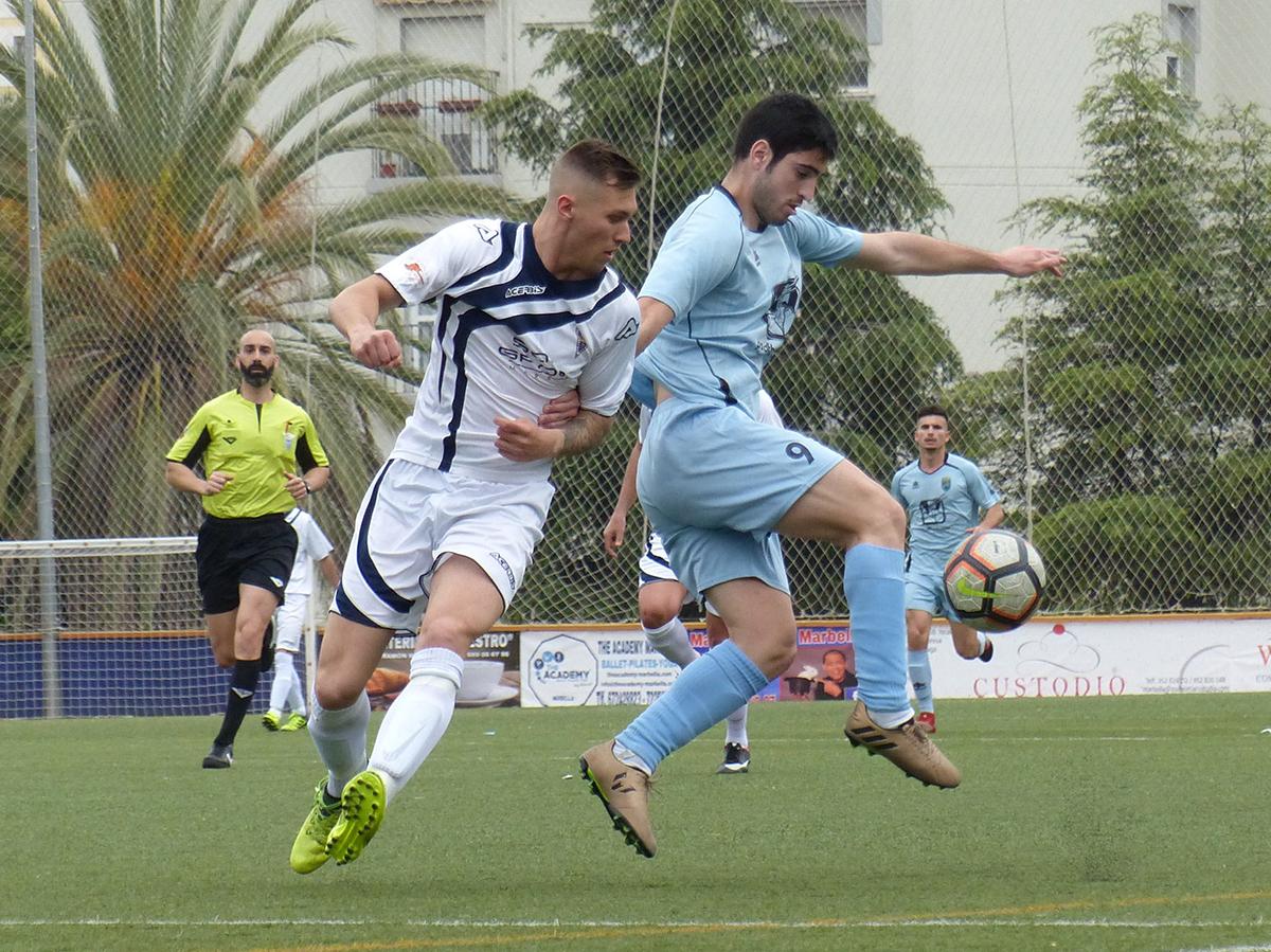 El Atlético Marbella se aferra a la permanencia al vencer al Athletic Fuengirola (3-0)