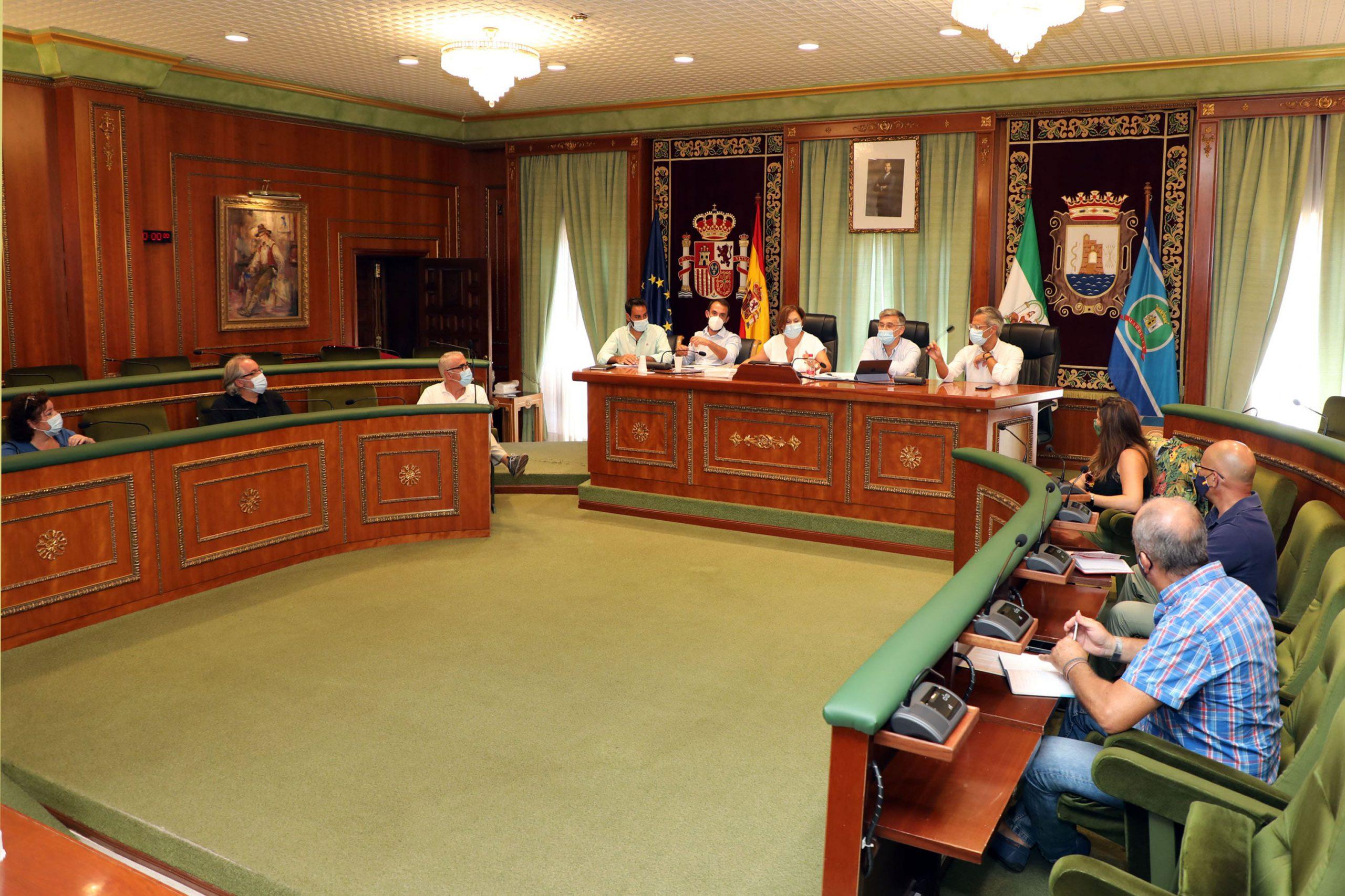 El Ayuntamiento constituye una comisión de directores de colegios de todo el municipio