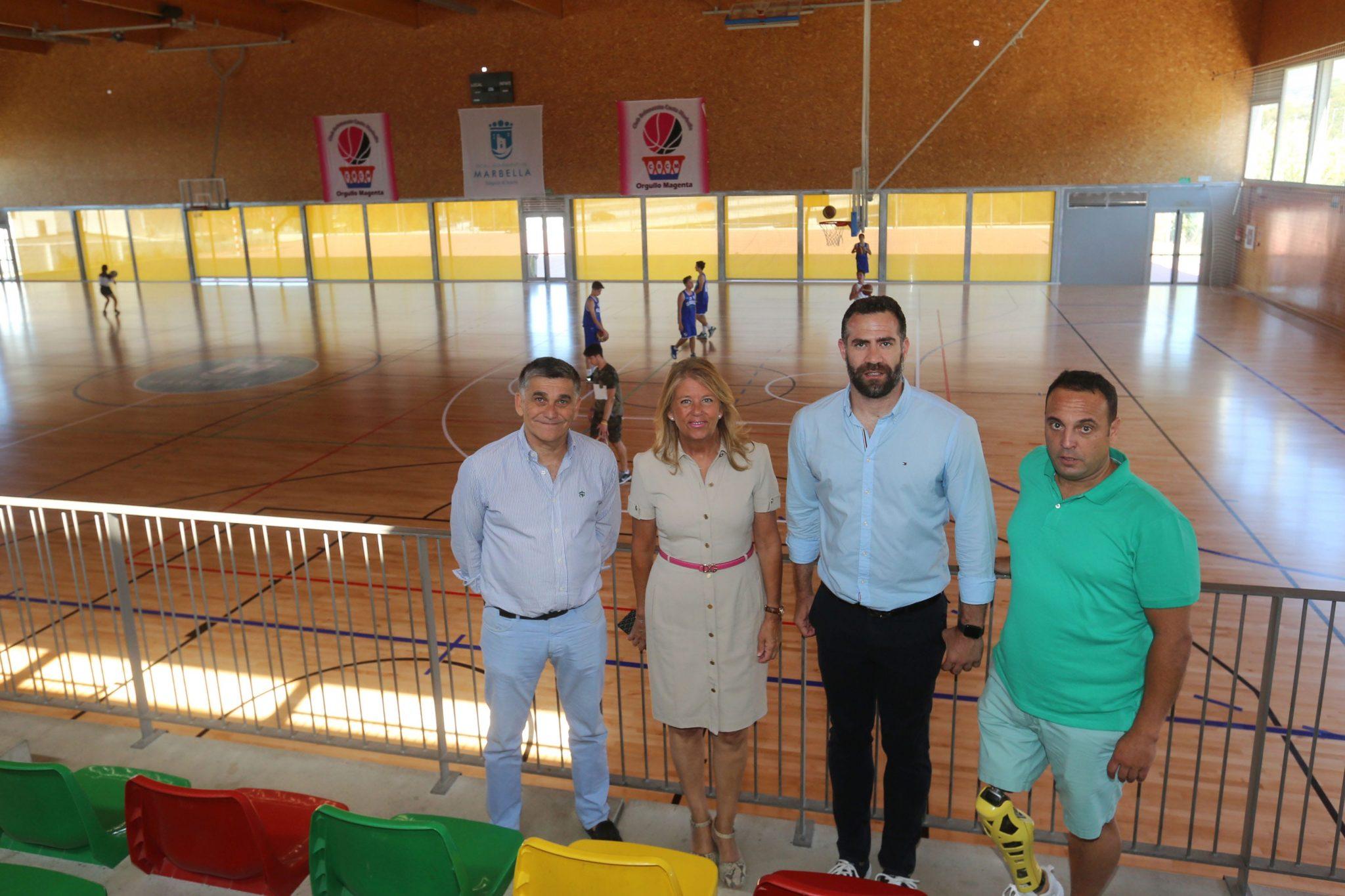 El Ayuntamiento culmina la renovación del pavimento del Pabellón Carlos Cabezas