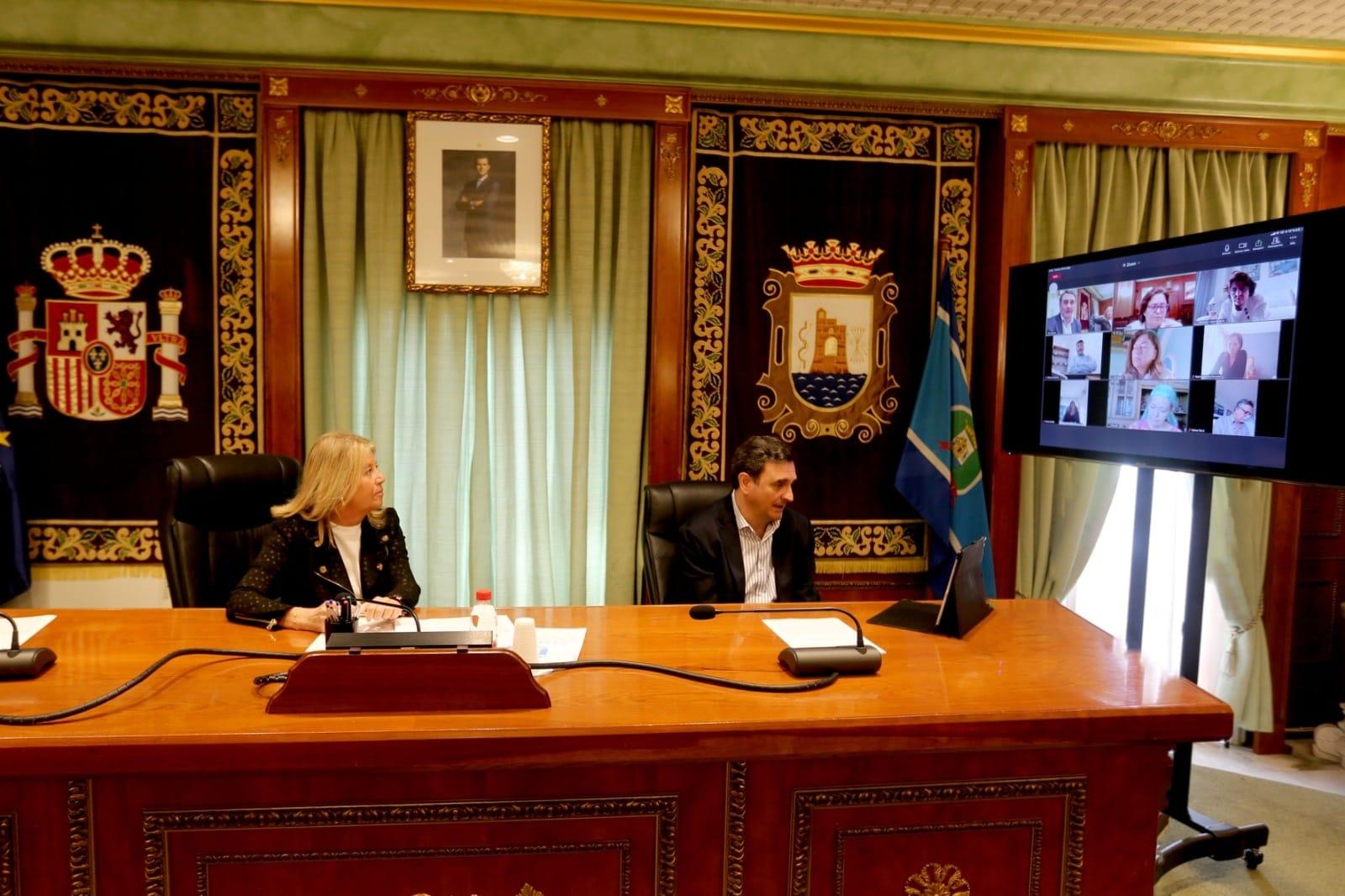 El Ayuntamiento de Marbella ha editado un bando regulador del funcionamiento y las posibilidades de explotación de las terrazas autorizadas en su día y de la ampliación de las mismas