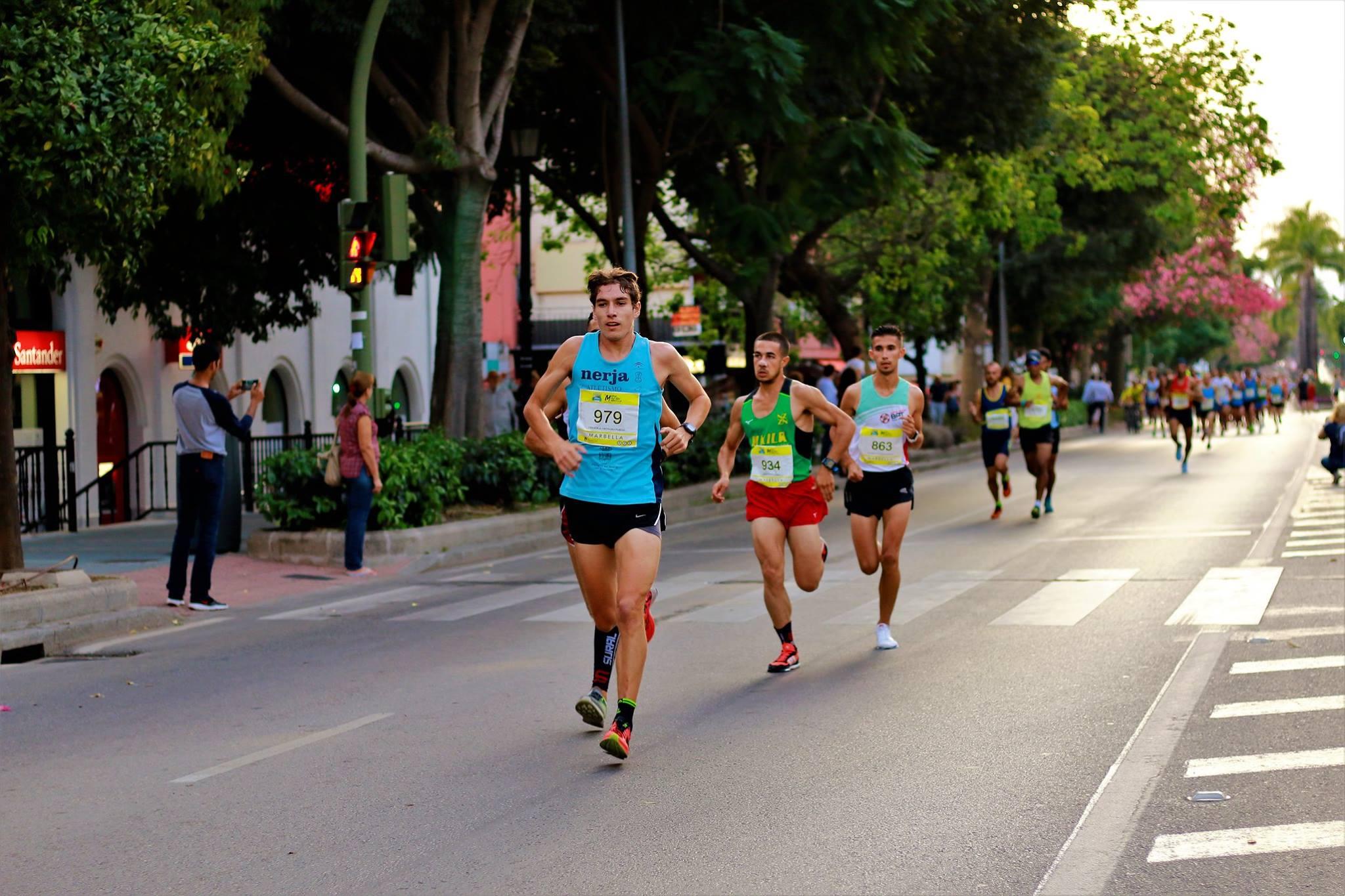 El Ayuntamiento diseña recorridos y servicios especiales de transporte público por la Media Maratón de Marbella