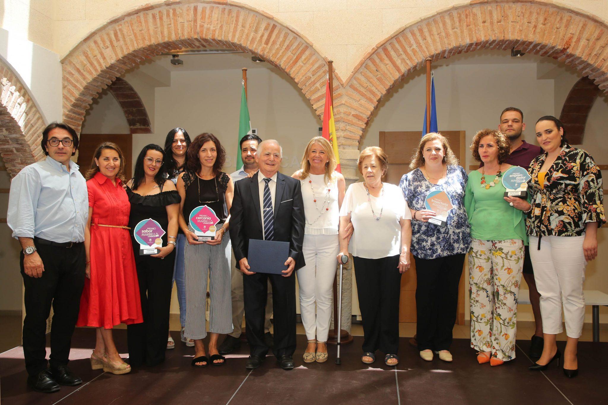 El Ayuntamiento entrega los Premios del Comercio a los negocios del Distrito Marbella Este