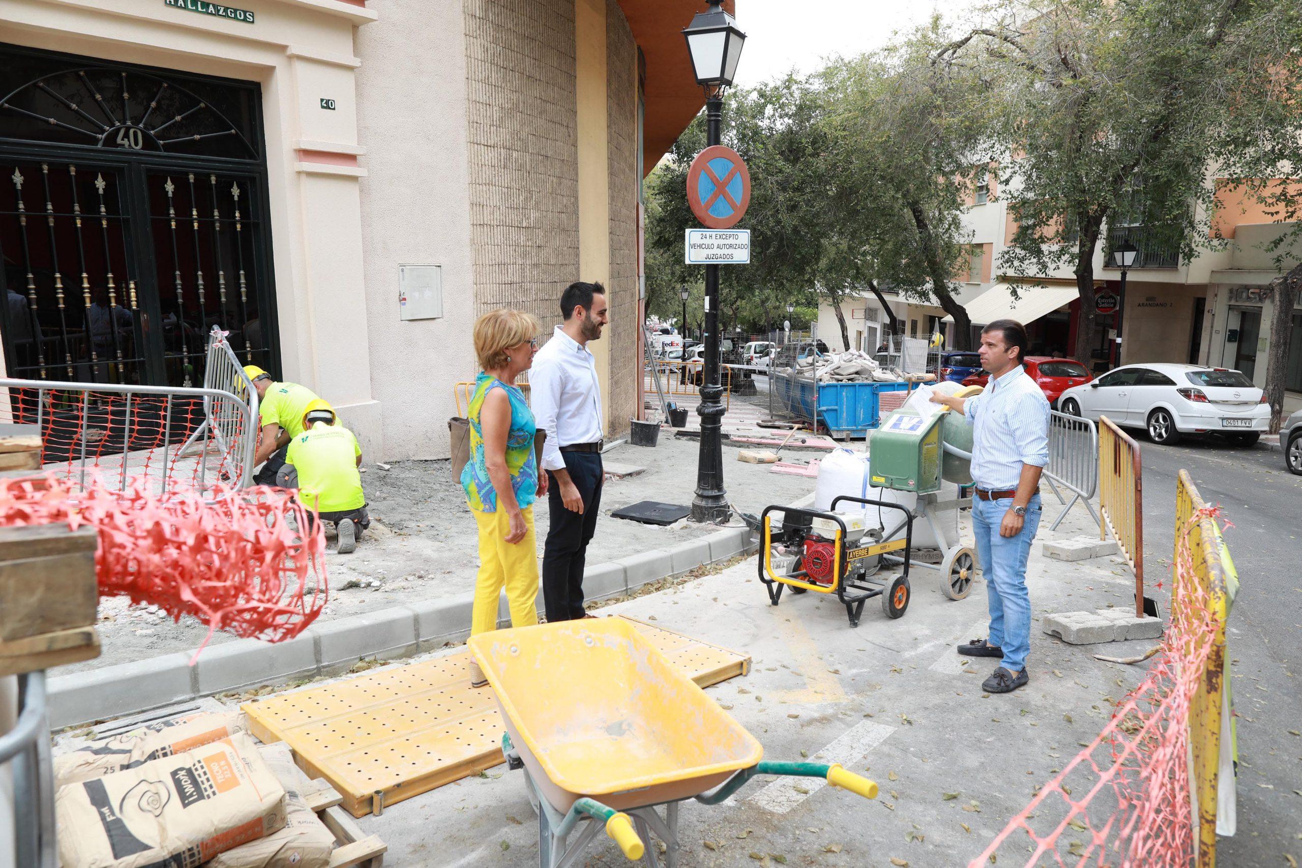 El Ayuntamiento impulsa la eliminación de barreras arquitectónicas en Divina Pastora