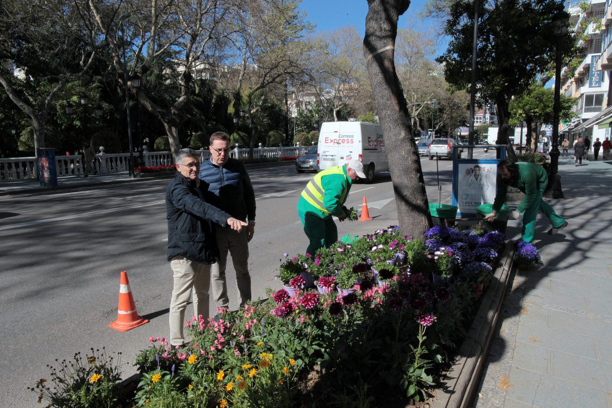 El Ayuntamiento mantiene su apuesta por el embellecimiento de las zonas verdes