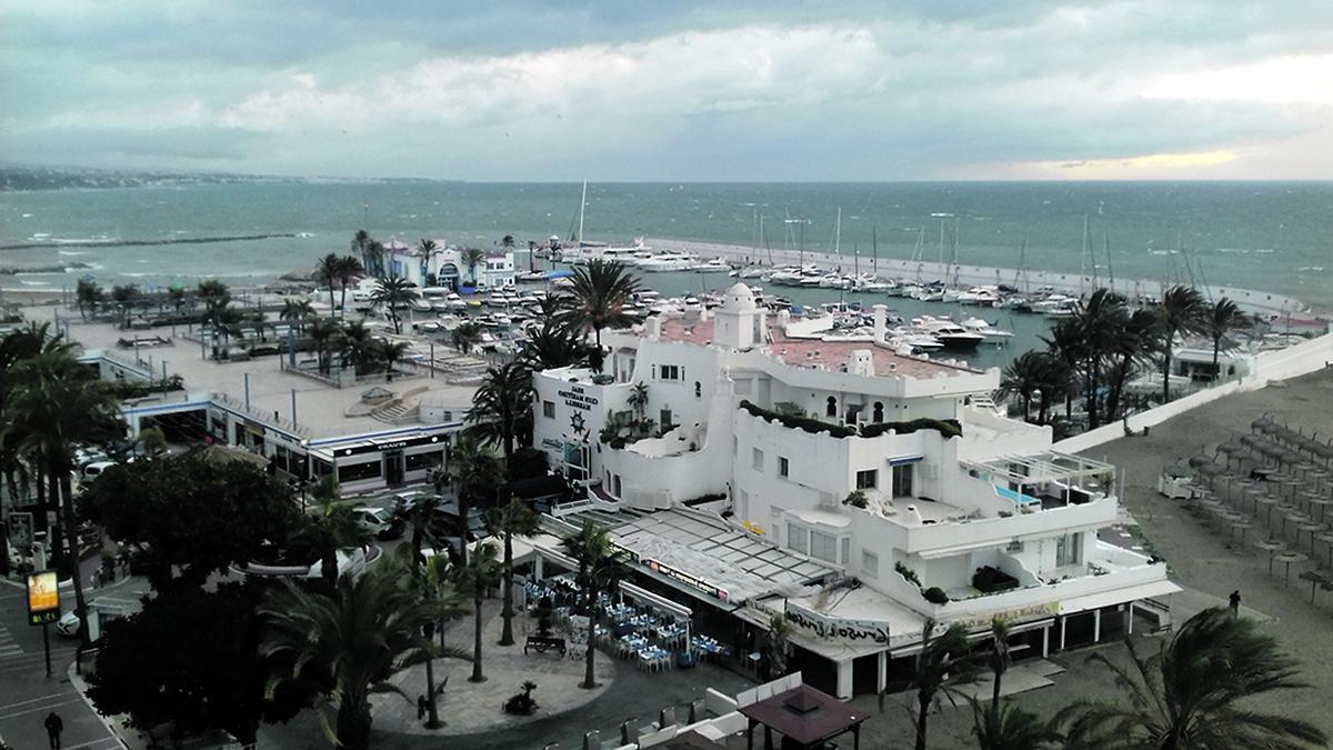 El Ayuntamiento regulariza por primera vez el procedimiento de concesiones de quioscos y otros servicios náuticos en el Puerto Deportivo