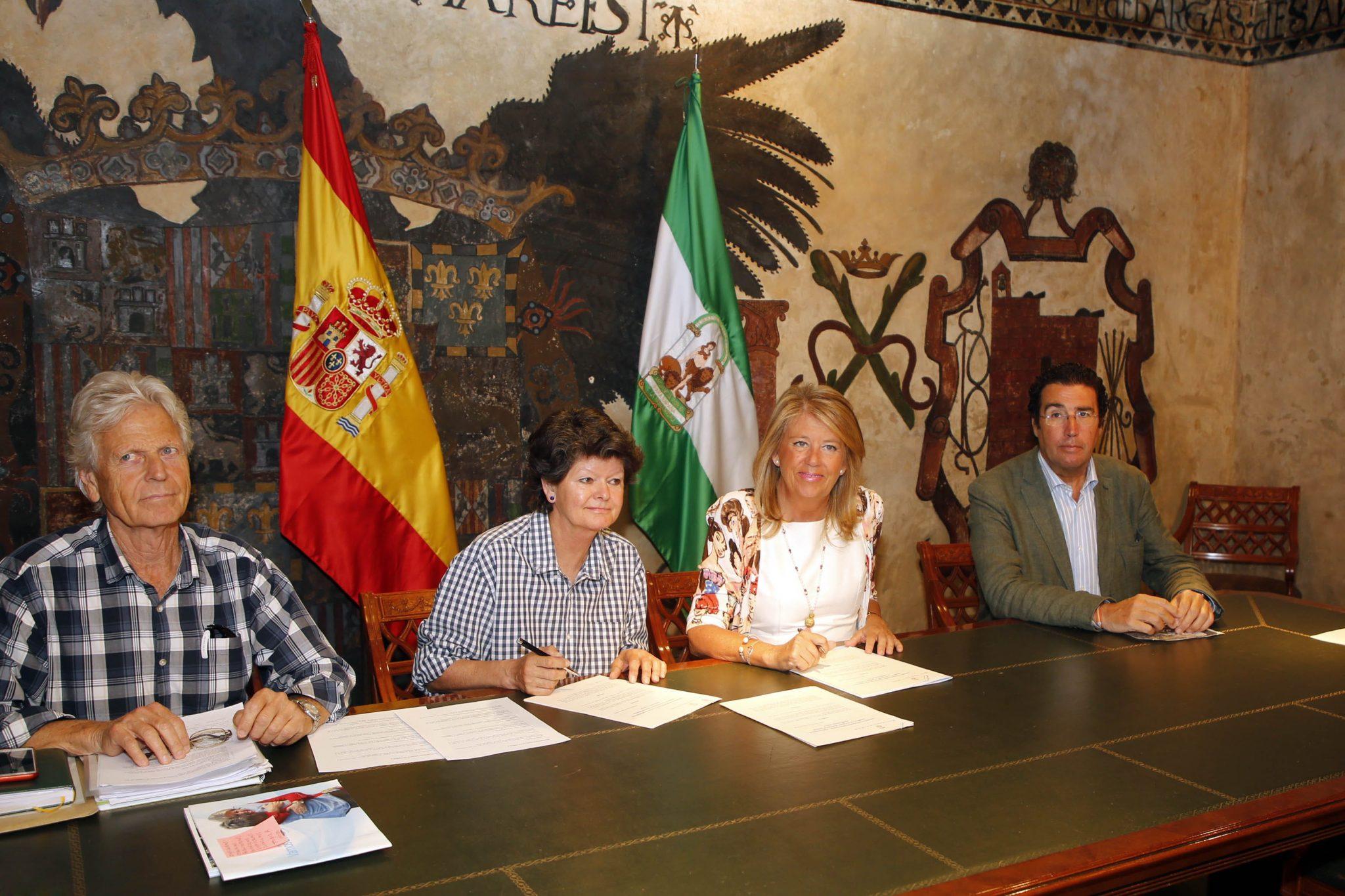 El Ayuntamiento renueva el convenio de colaboración con la Triple A