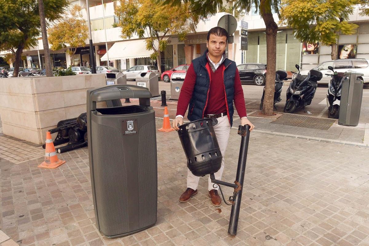 El Ayuntamiento renueva el mobiliario urbano con la instalación de 350 papeleras de alta capacidad y más modernas en zonas de gran afluencia