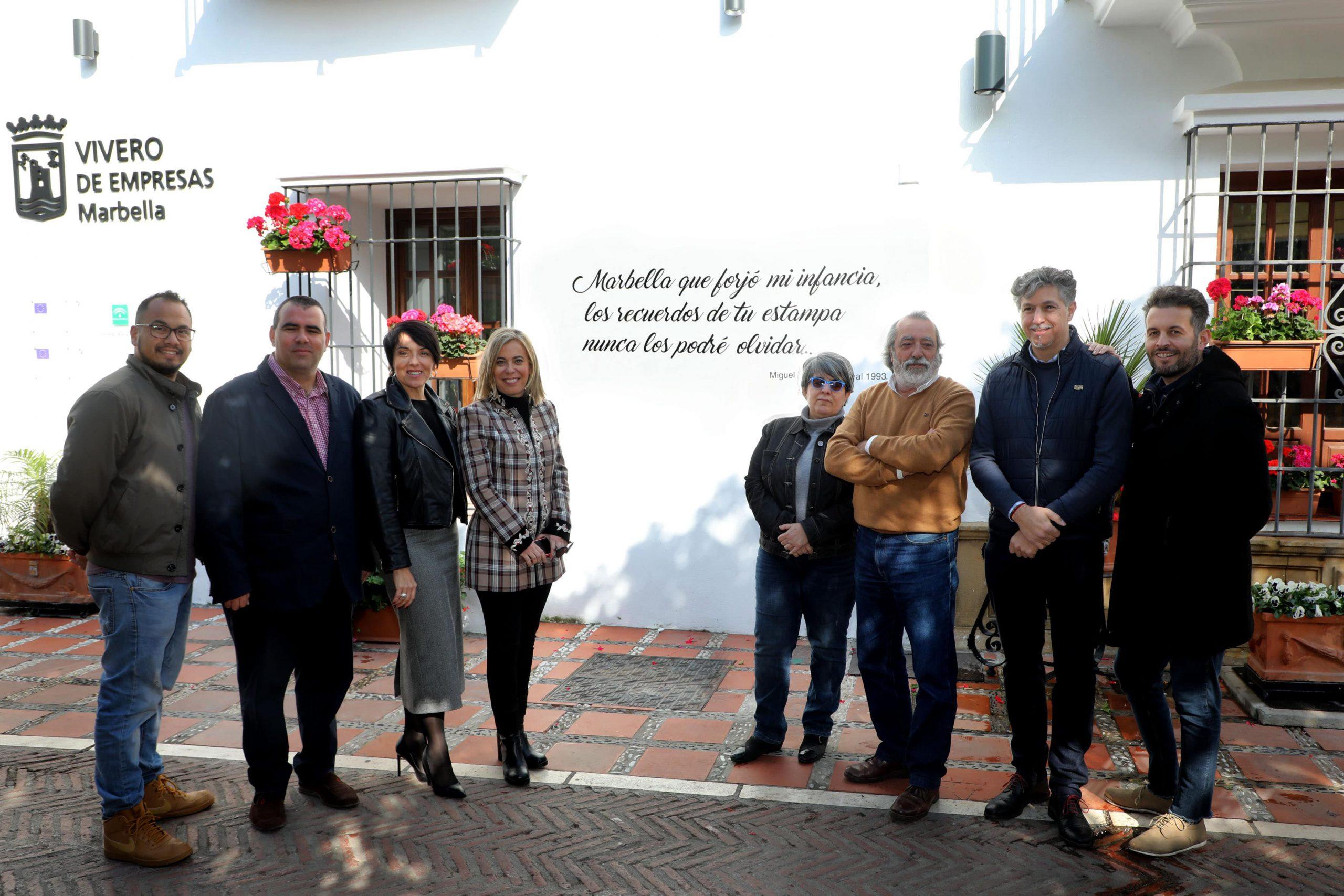 El Casco Antiguo se engalana con letras de Carnaval de conocidos autores locales