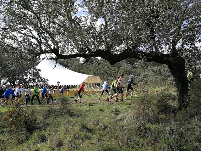 El Club Escalada Marbella arrasa en el IV Campeonato de Andalucía de Marcha Nórdica con 14 podios