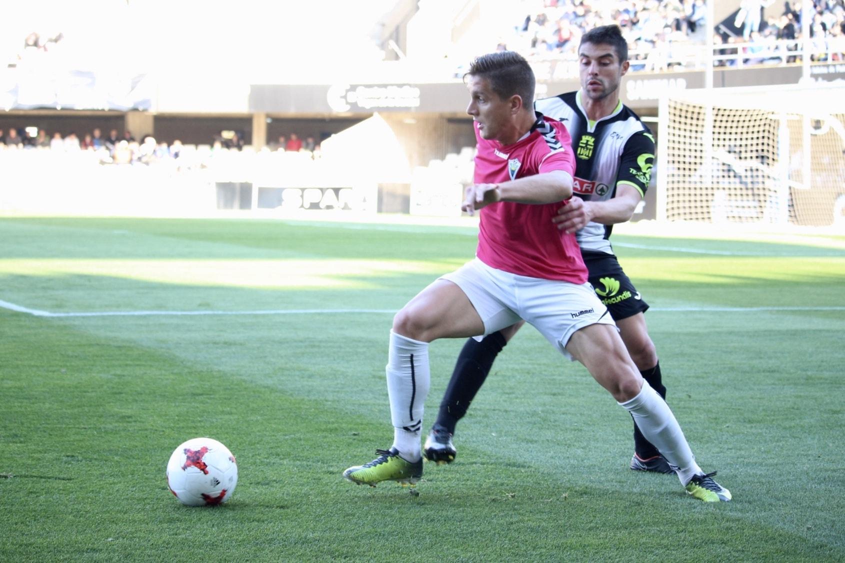 El Marbella FC, líder de la tabla al vencer al Cartagena en su campo (0-1)