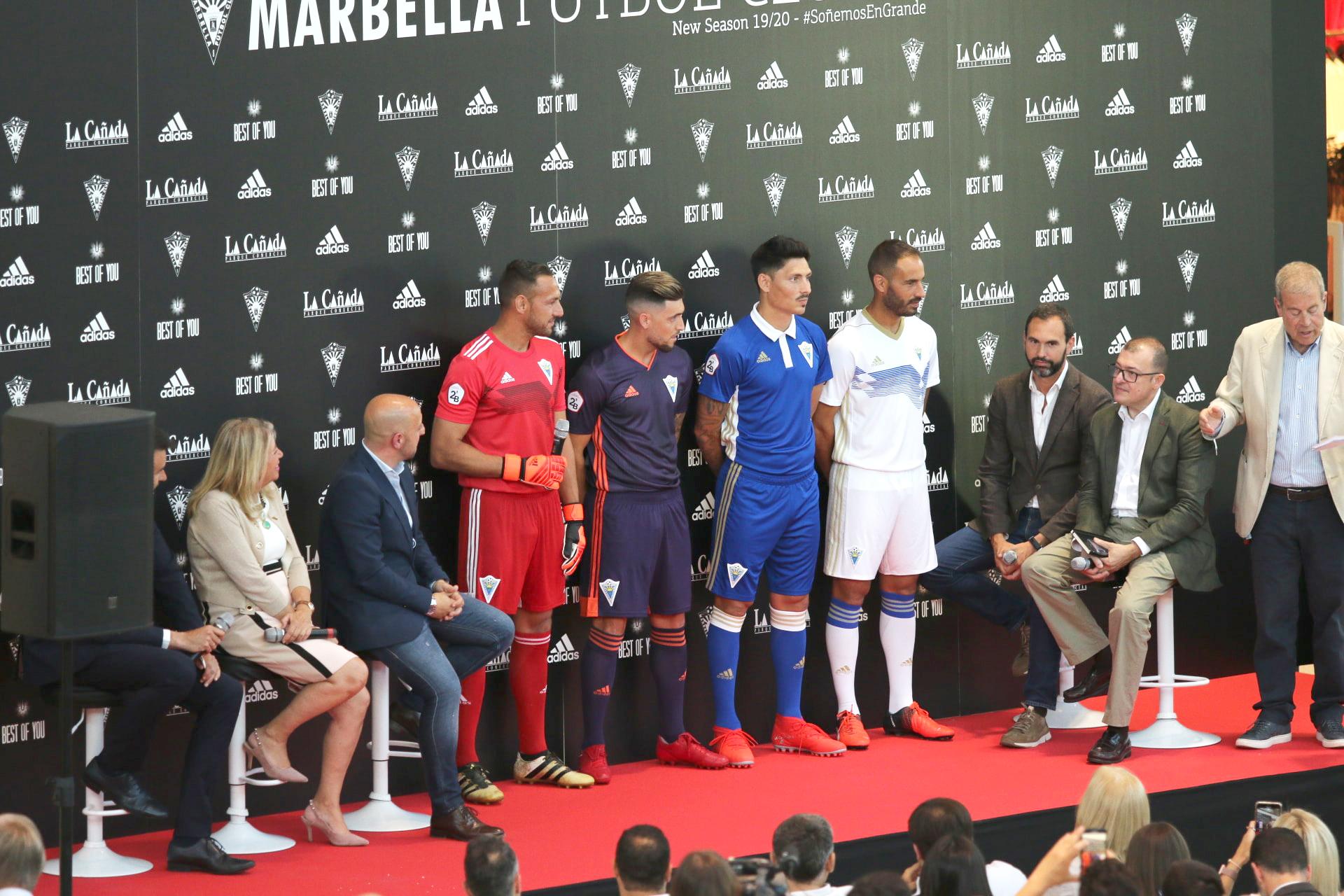 El Marbella F.C. presenta sus nuevas equipaciones para la próxima temporada