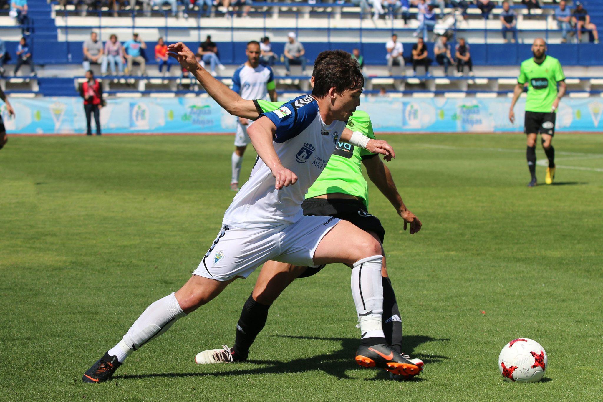 El Marbella FC sigue líder tras su magnífico encuentro frente al Recreativo