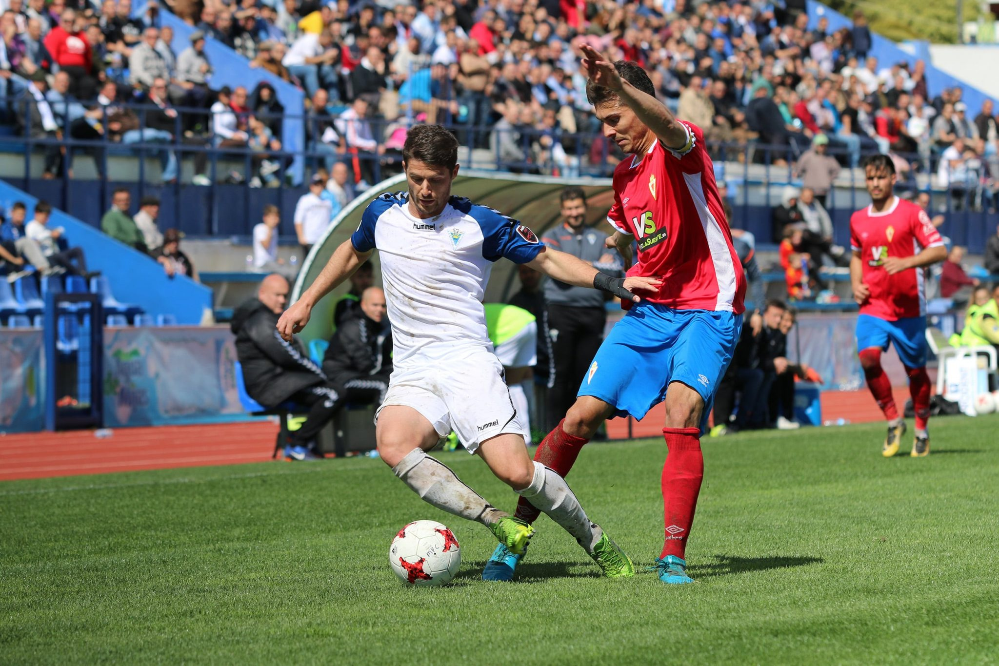 El Marbella FC suma un punto ante el Real Murcia para continuar líder del Grupo IV