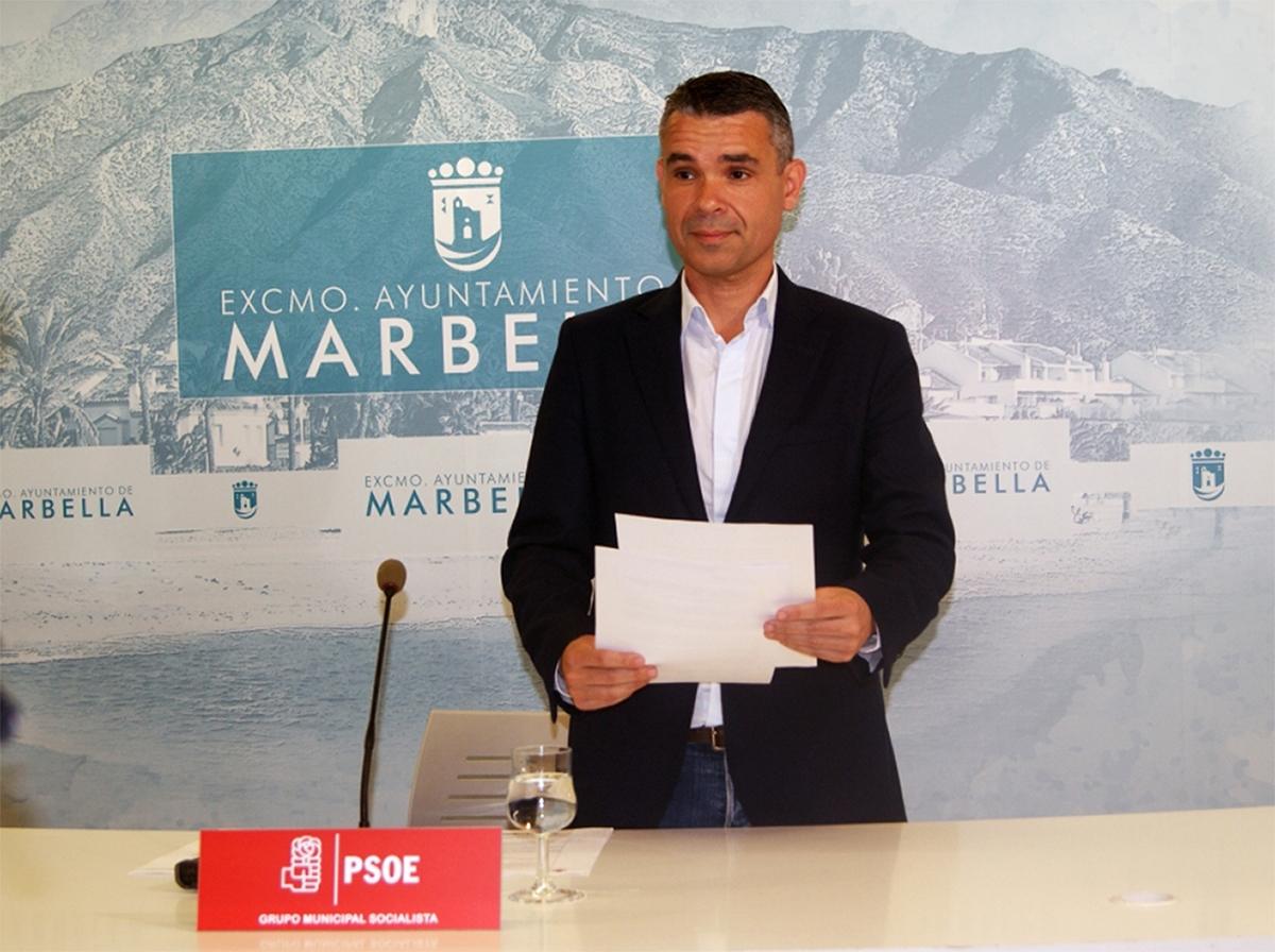 El PSOE traslada al juzgado la exigencia de que se cumpla el auto del TSJA para el cese de directores generales