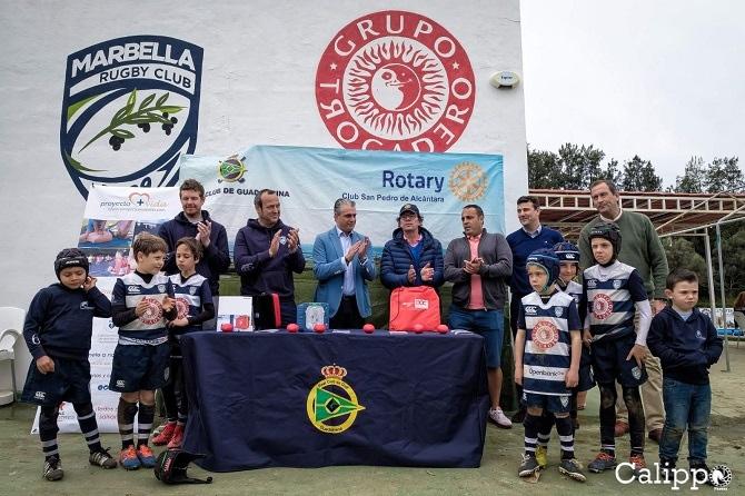 El Real Club de Golf Guadalmina y B+Safe donan al Trocadero Marbella Rugby Club un desfibrilador