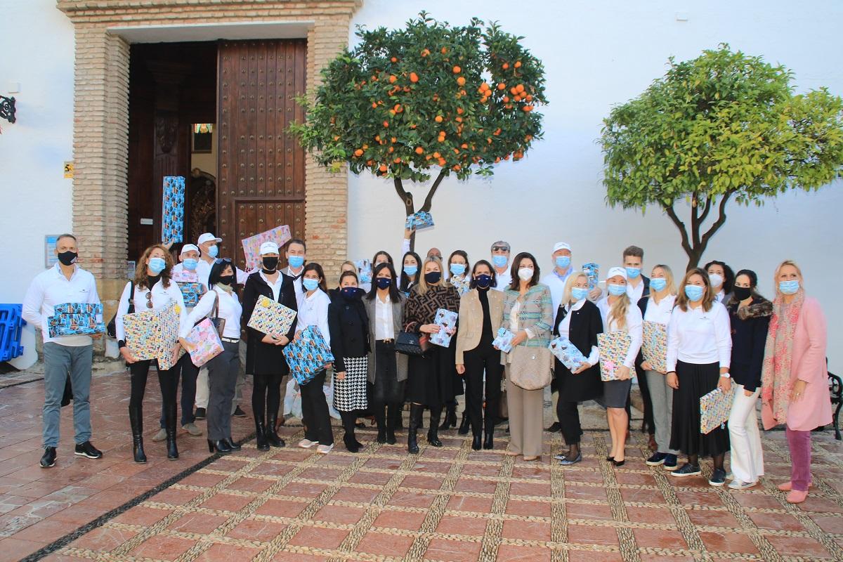 Engel & Völkers dona 9 toneladas de alimentos a Cáritas Marbella