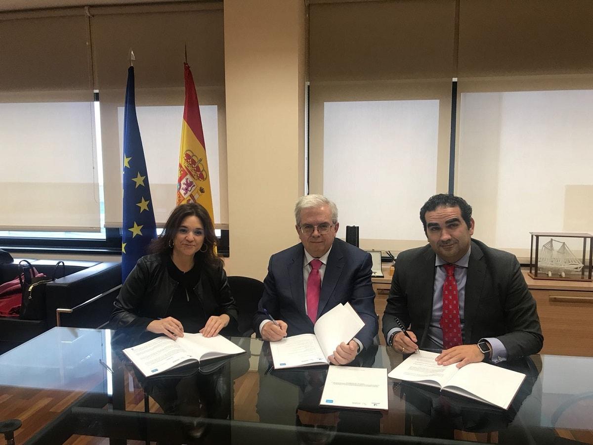 En la mañana de hoy ha tenido lugar en la sede de Acuamed en Madrid, la firma de la segunda adenda al convenio regulador para la financiación y explotación de la planta desaladora de Marbella entre Mancomunidad, Acosol y Acuamed.