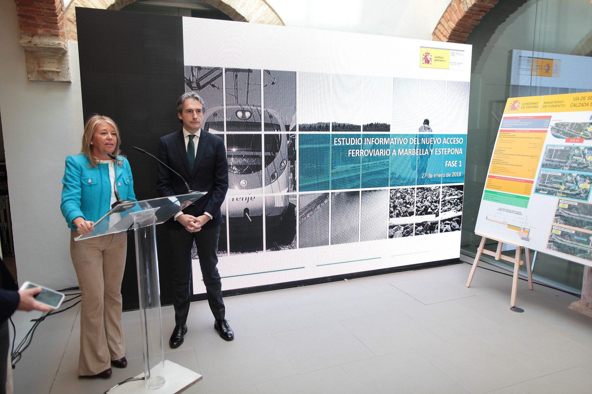 El ministro de Fomento se compromete a rescatar la partida presupuestaria que permita ampliar el Museo del Grabado