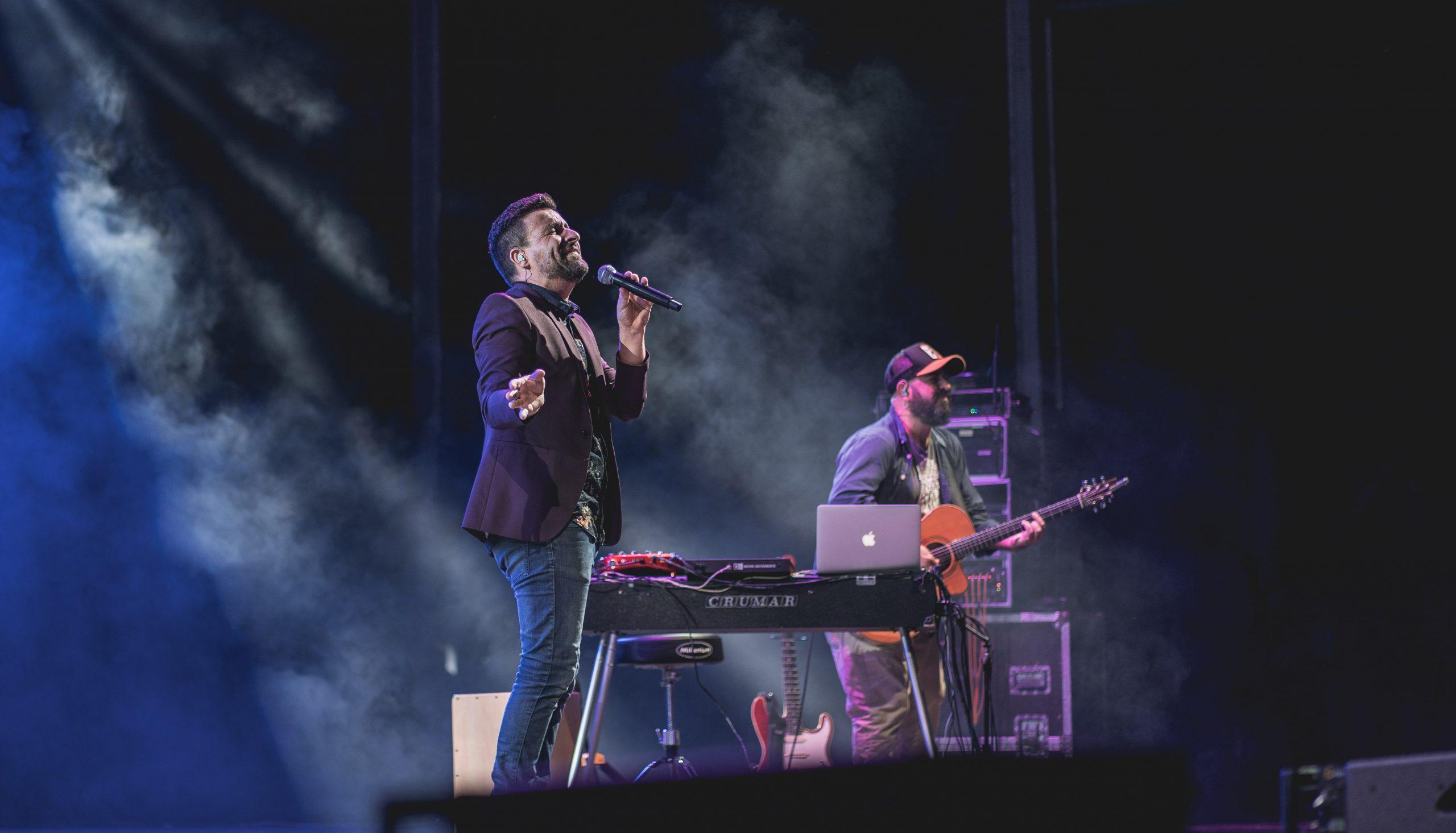 Funambulista repasa en Starlite Catalana Occidente su trayectoria con un concierto íntimo