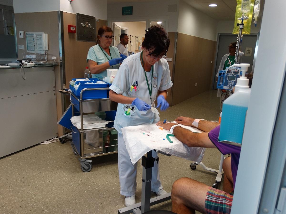 El Hospital de Día Oncohematológico del Costa del Sol ha obtenido el Distintivo 'Centros contra el dolor' en su modalidad de 'Dolor asociado a procedimientos', concedido por el Observatorio para la Seguridad del Paciente de la Agencia de Calidad Sanitaria de Andalucía.