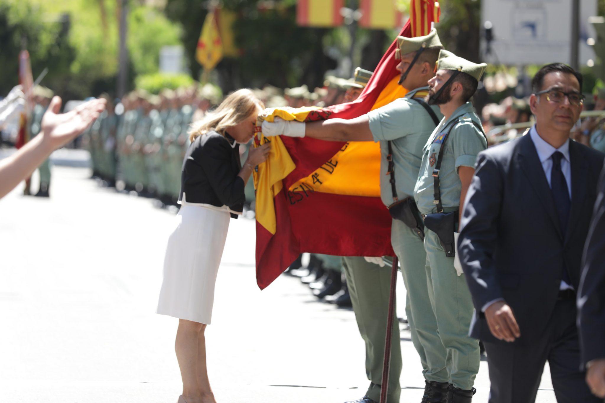 Marbella se vuelca con los actos de la primera Jura de Bandera para personal Civil de su historia
