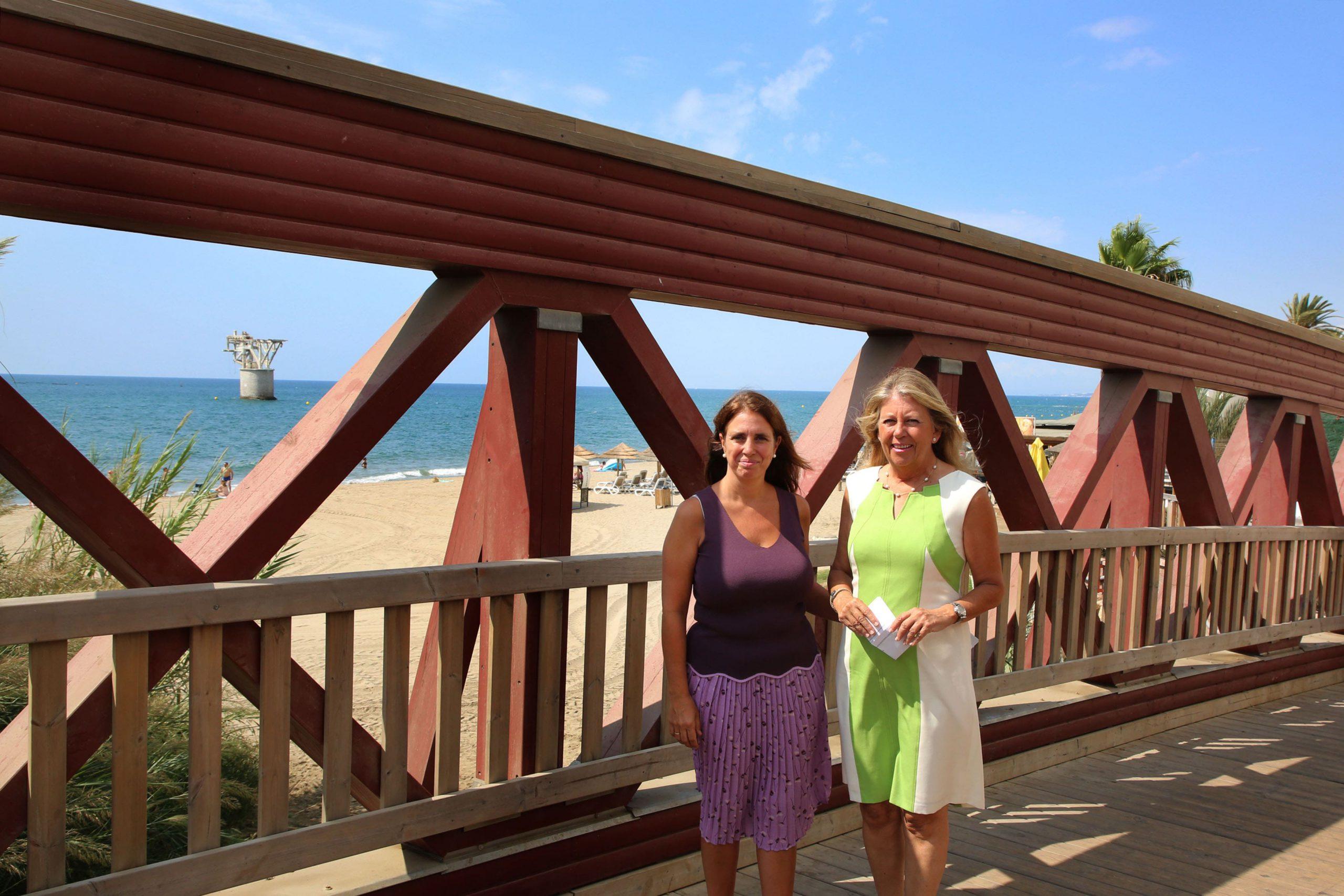La alcaldesa destaca la inversión en el mantenimiento y socorrismo de las playas
