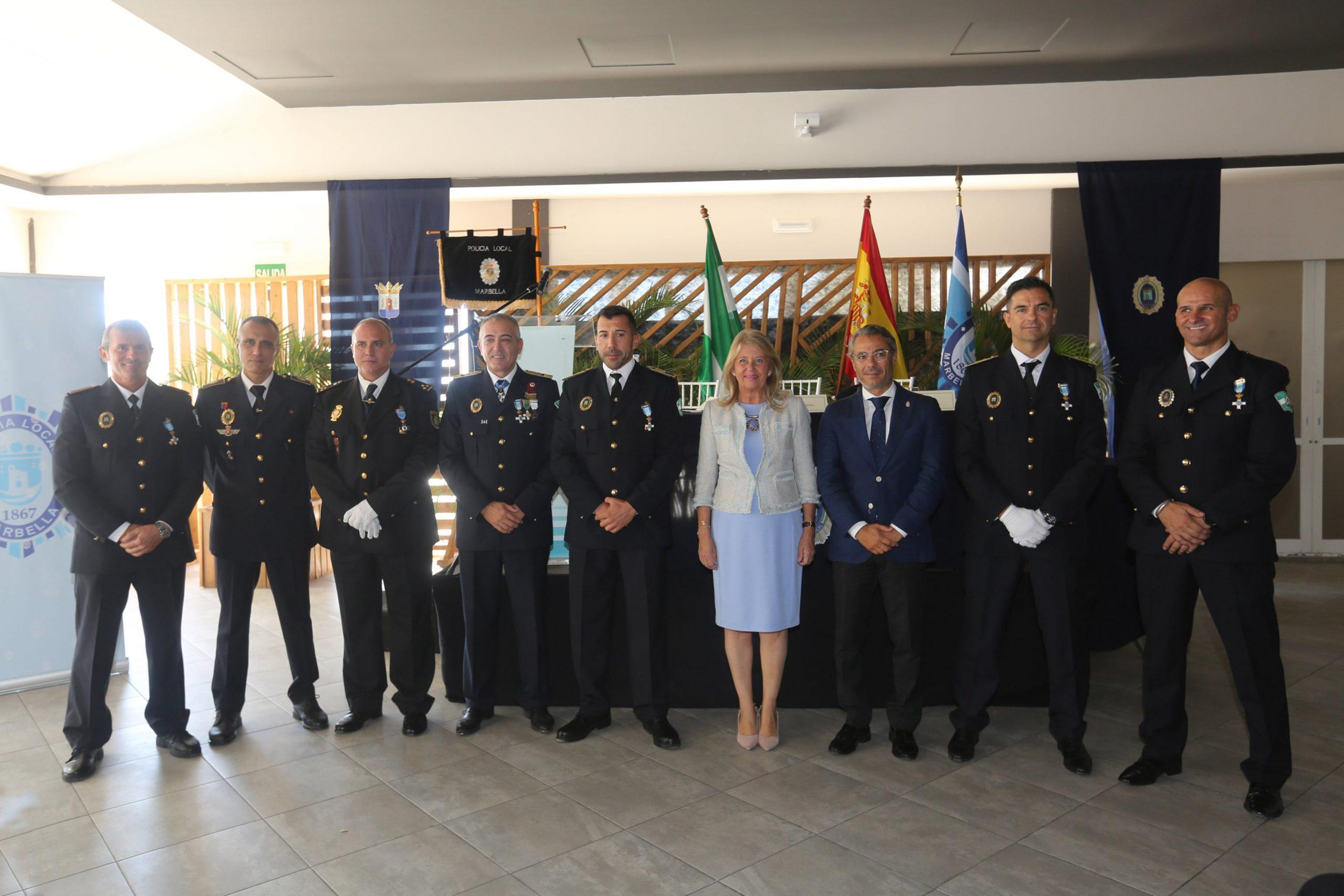 La alcaldesa ha asistido hoy a la entrega de medallas y felicitaciones en el Día de la Policía Local