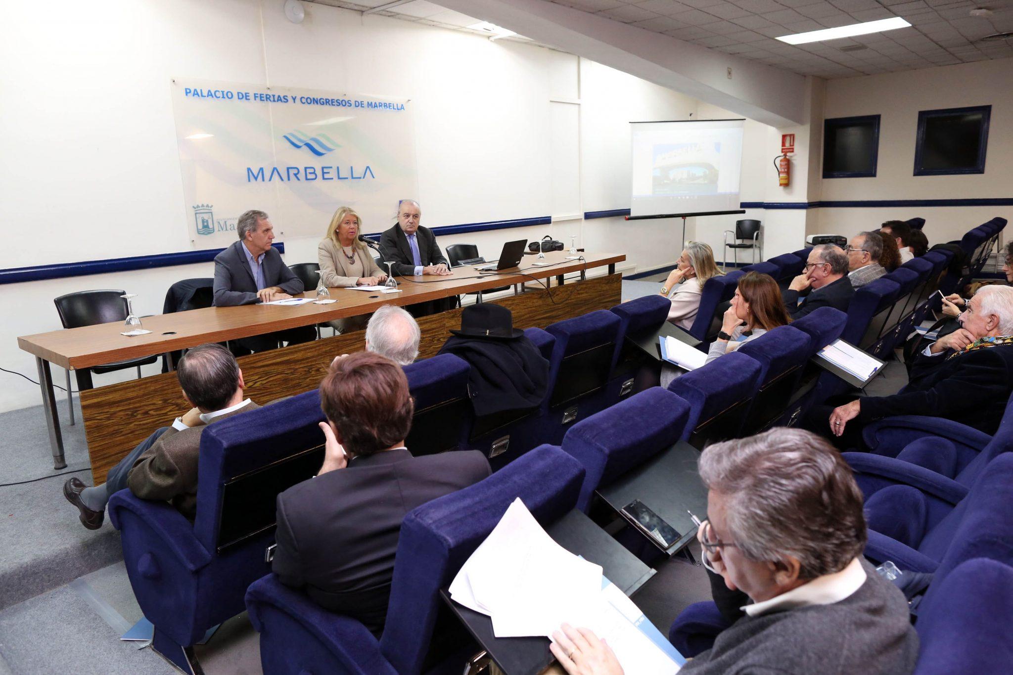 La alcaldesa subraya que próximamente saldrá a licitación la redacción del nuevo PGOU de Marbella