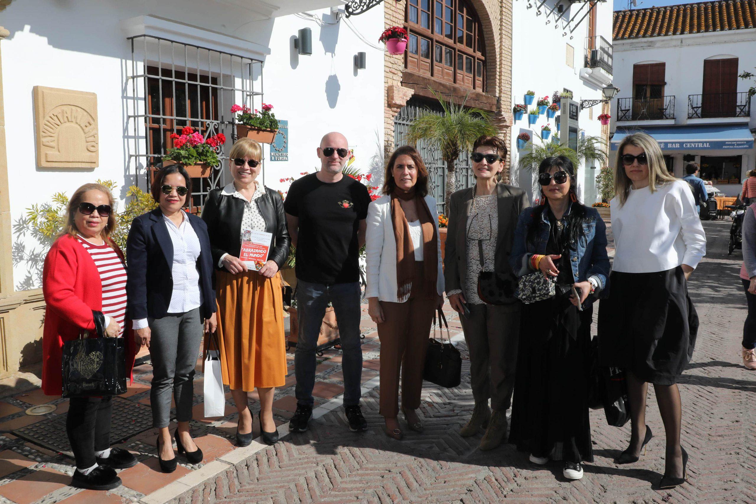La delegación de Extranjeros se encuentra este sábado con la comunidad filipina