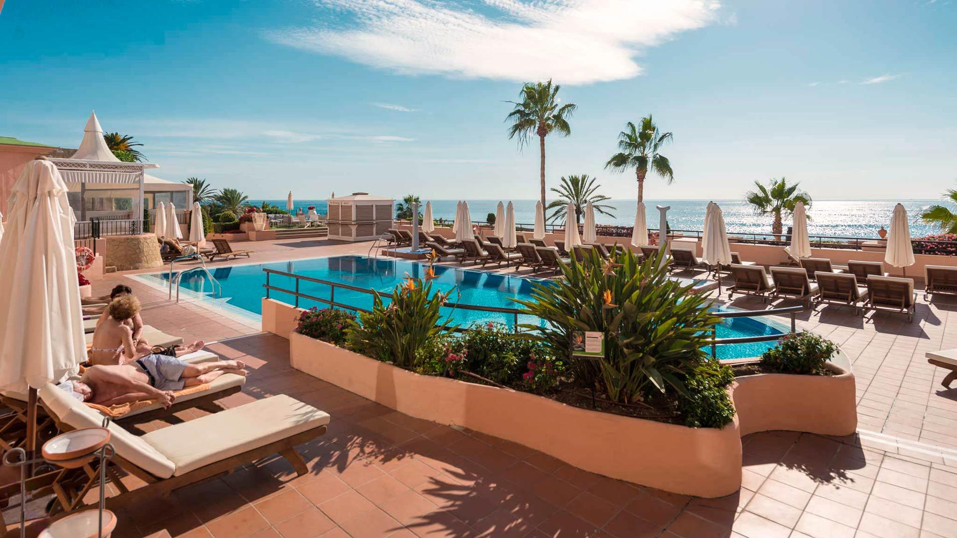 La Junta de Gobierno Local ha aprobado hoy una licencia de obras para la reforma del hotel Fuerte Marbella