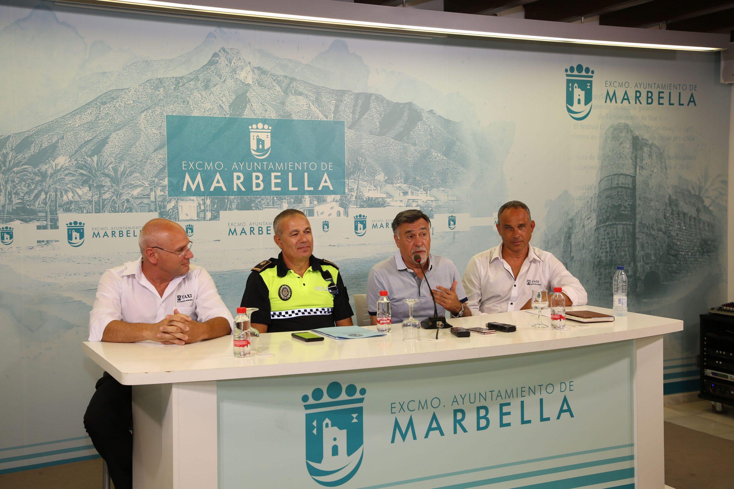 Marbella cuenta con el primer taxi cardioprotegido dotado de un desfibrilador