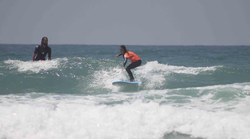 9 pies, la distancia surfera entre El Palmar y Marbella