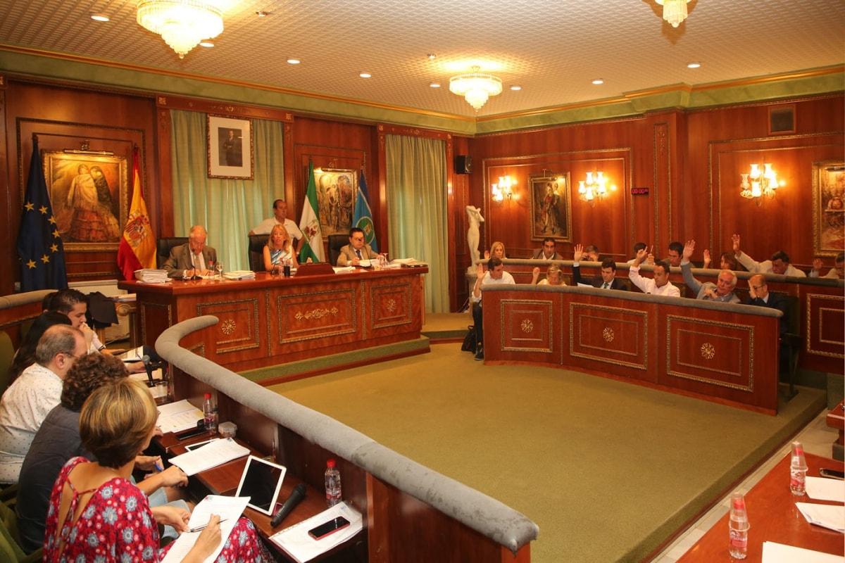 El Ayuntamiento aprueba de forma inicial la ordenanza municipal del taxi