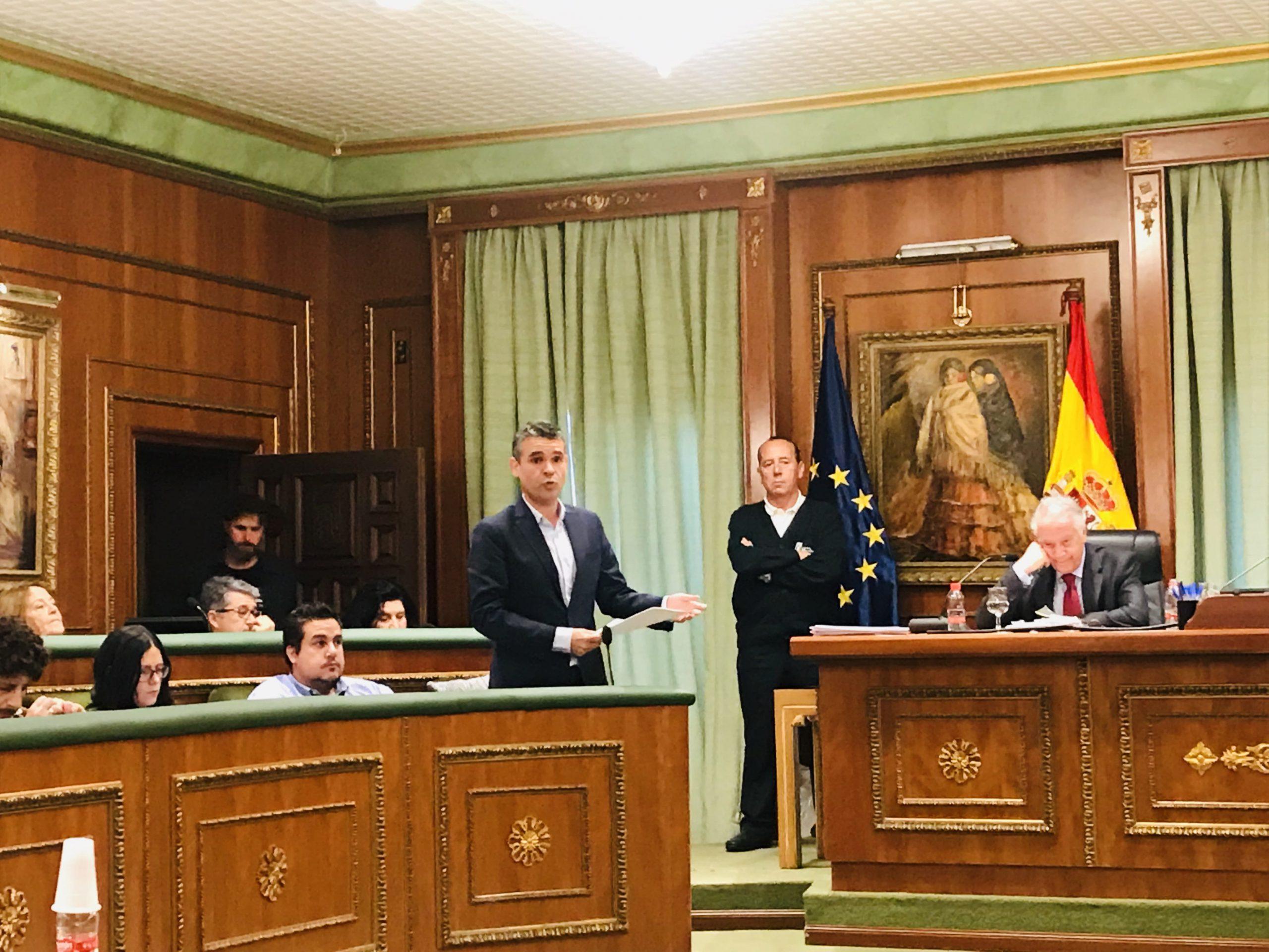 El PSOE asegura que PP y OSP ponen en peligro el futuro económico del Ayuntamiento, recortando transferencias a las sociedades municipales