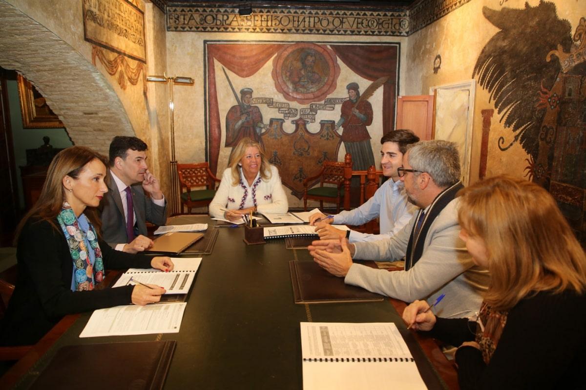 El Ayuntamiento mantiene la primera reunión de coordinación para poner en marcha el programa Marbella Integra