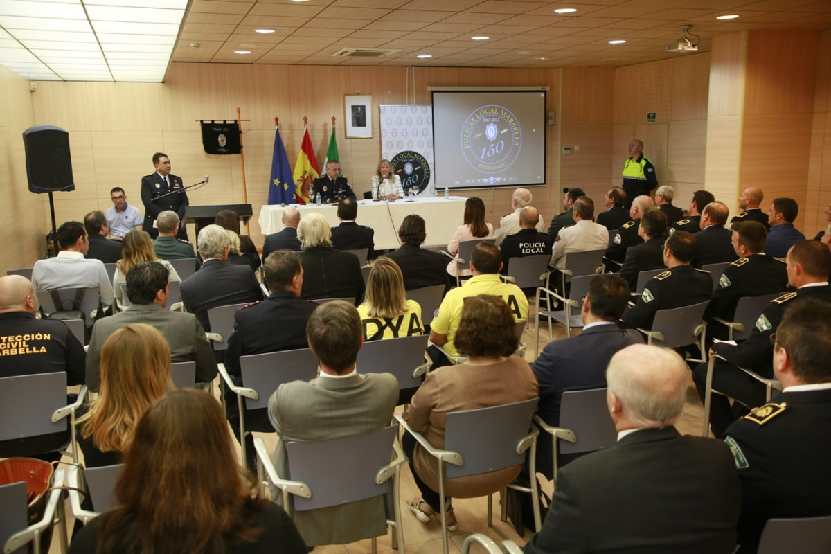 """La alcaldesa subraya el compromiso del Equipo de Gobierno """"por seguir mejorando el modelo de la Policía Local"""" en la jornada con motivo del 150 aniversario de la Policía Local"""