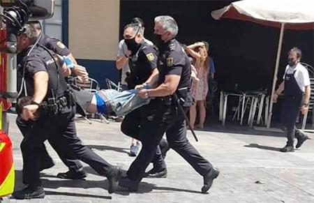 Como consecuencia, el detenido fue trasladado por la Policía Nacional.