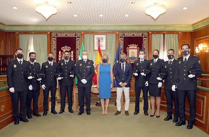 Los nuevos agentes han jurado su cargo esta mañana en el salón de plenos del Ayuntamiento.